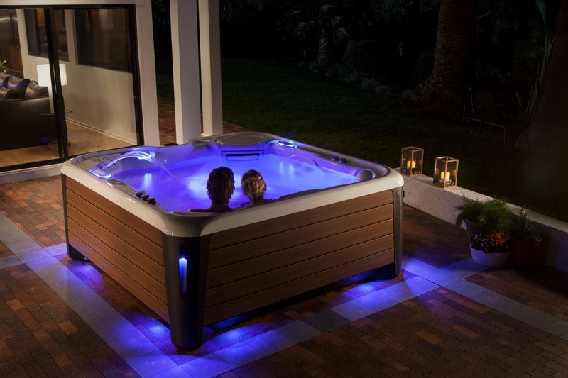 A hot tub routine helps create a whole new you for a new year.