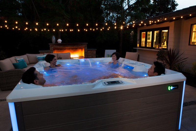 From lights and sound to jet massage, your hot tub controls give you the ability to personalize your soak.