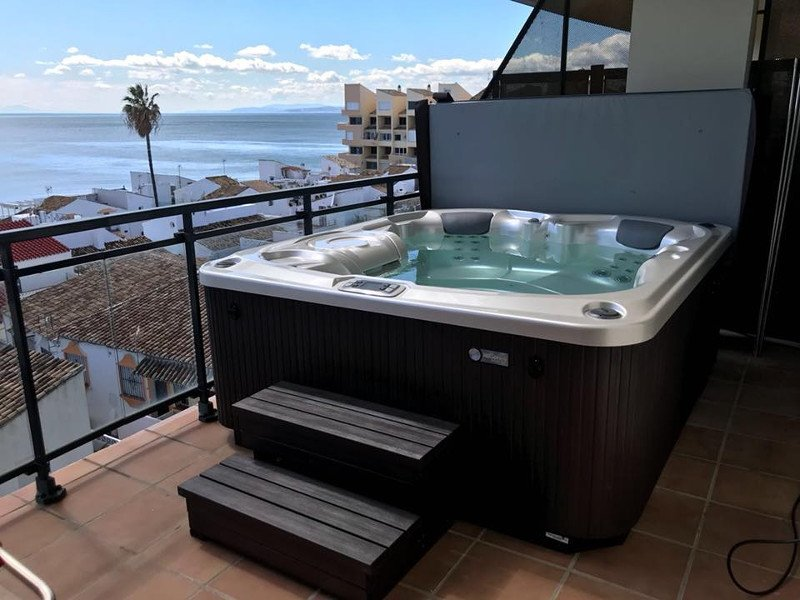 Backyard Hottub backyard hot tubs that inspire us | hot spring spas